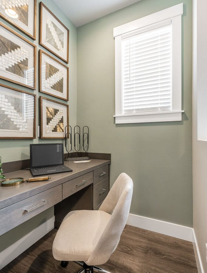 E-nook off the great room - perfect place for home office or homework station